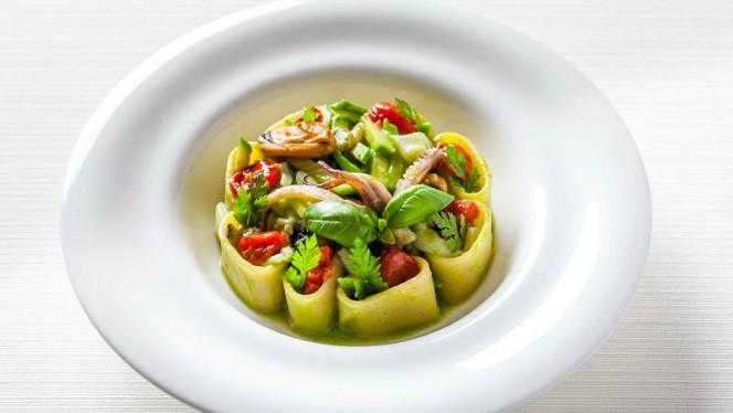 Mezzi pacheri con zucchine e pesce fresco - Il Giardino, Rome