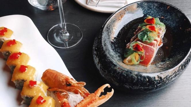 Tuna Tataki & sushiroll - Restaurant Three, Rotterdam