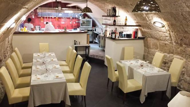 Veduta dell interno - Janas Restaurant di Gavino e Giovanna Piu, Alghero