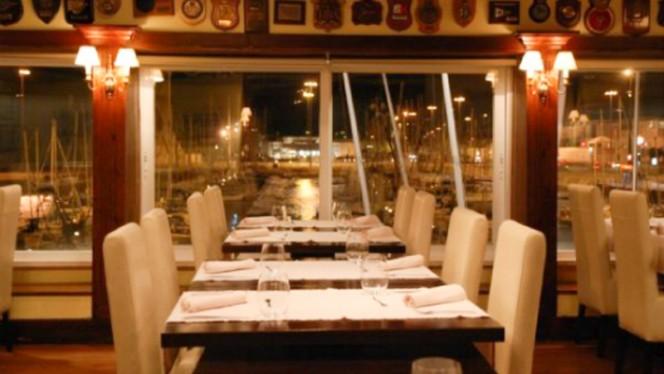 sala - Restaurante Associação Naval de Lisboa, Lisboa