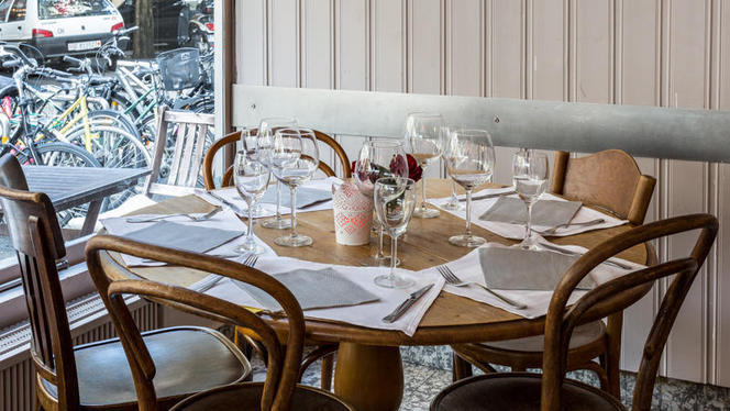 Table dressée - Café des Sources, Genève