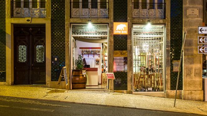 Entrada - Eating Bear, Lisboa