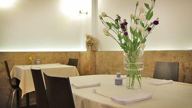 detalle flores - Ramen Dining Yú, Barcelona