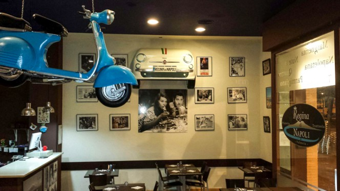 Sala del restaurante - Regina di Napoli, Valencia