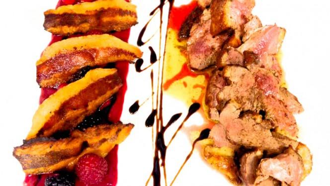Petto d'anatra con salsa ai frutti rossi e guanciale croccante - Taverna del Verziere, Milan