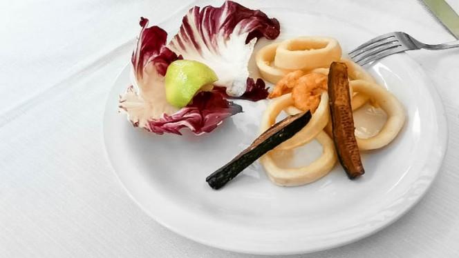 pesce fritto e insalata - San Karass, Cologno Monzese