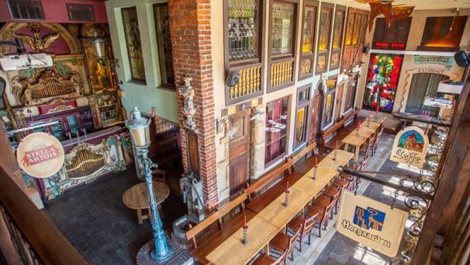 Tables extérieurs - Le Roy d'Espagne, Brussels