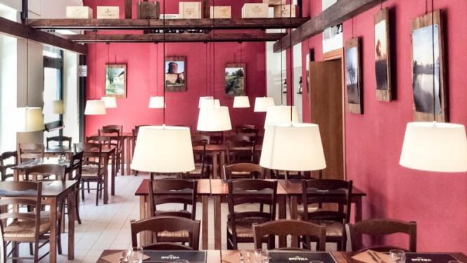 sala - Il bottegone, Milan