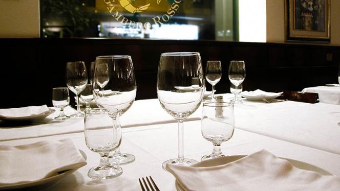 particolare tavolo - Osteria del Gambero Rosso, Milan