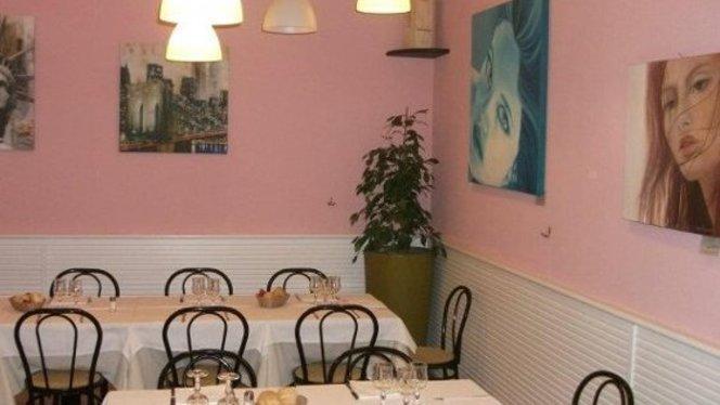 locale accogliente e colorato - Pierrot, Milan