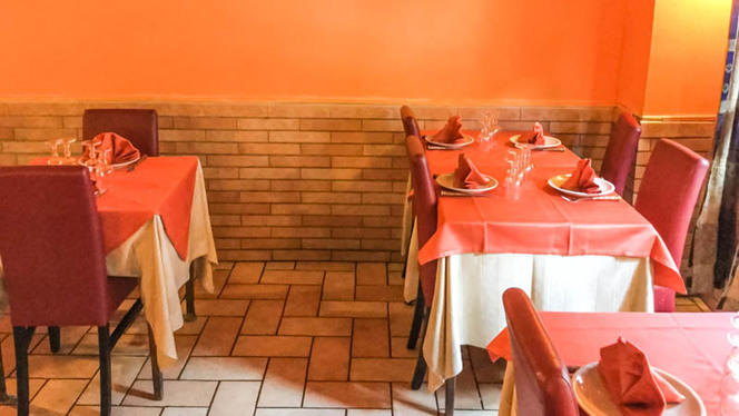 Vista sala - Little India Restaurant, Rome