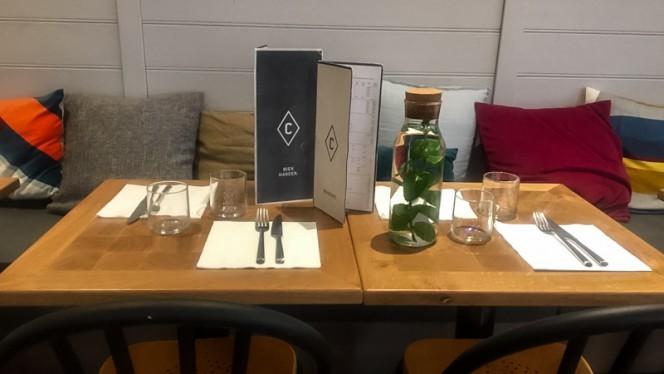 Table dressée - Le Comptoir du Commerce, Paris