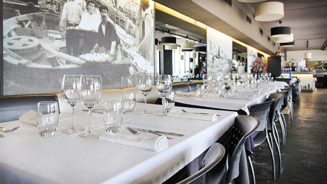Vista mesas montadas - Arenal Restaurant, Barcelona