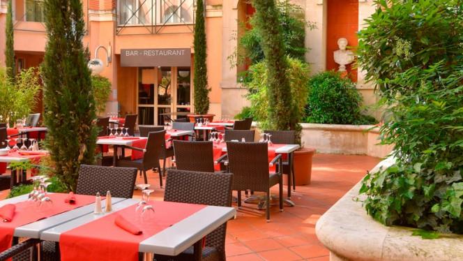 Grand Patio du Plaza - Restaurant estival - 7 du Plaza - Hôtel Crowne Plaza, Toulouse