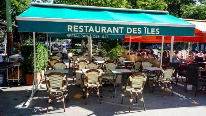 Zoom sur la terrasse - Le Restaurant des Îles, Lyon