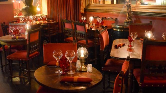 salle - Le Petit Prince de Paris, Paris