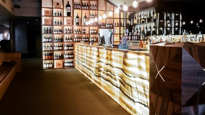 bar - Crystal Club & Restaurant, Porto