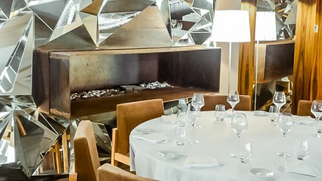 mesa - Crystal Club & Restaurant, Porto