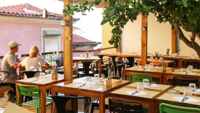 Esplanada - Santa Bica - Eat, Drink, Sleep, Lisboa