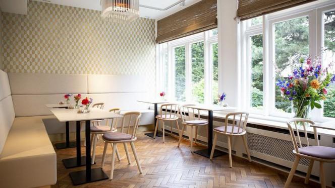 Ons lunchcafé met uitzicht over de grachtentuin - Museumrestaurant Tassenmuseum, Amsterdam