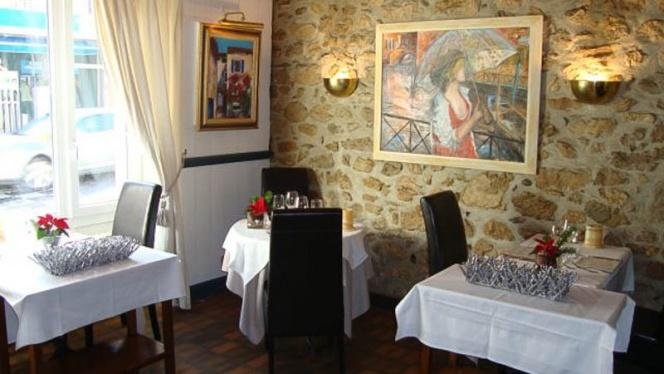 Vue des tables - Auberge de la Croix-de-Rozon, La Croix-de-Rozon