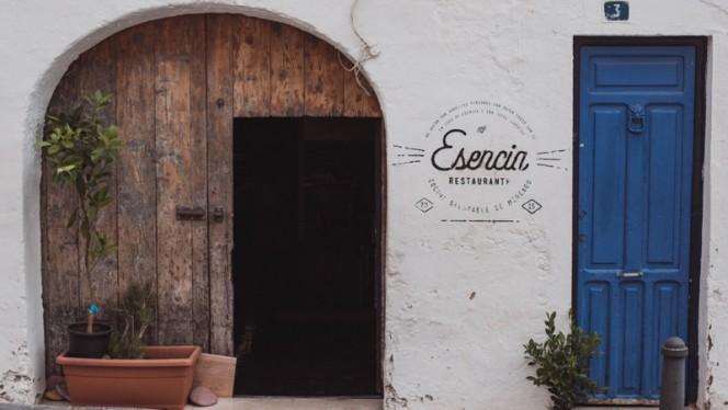 Esencia Fachada - Esencia, Valencia