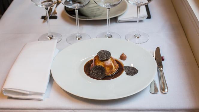 Feuilleté de canard à la truffe noire - Cobéa - Philippe Bélissent, Paris