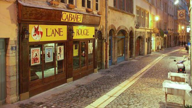 Devanture - Cabaret L'Âne Rouge, Lyon