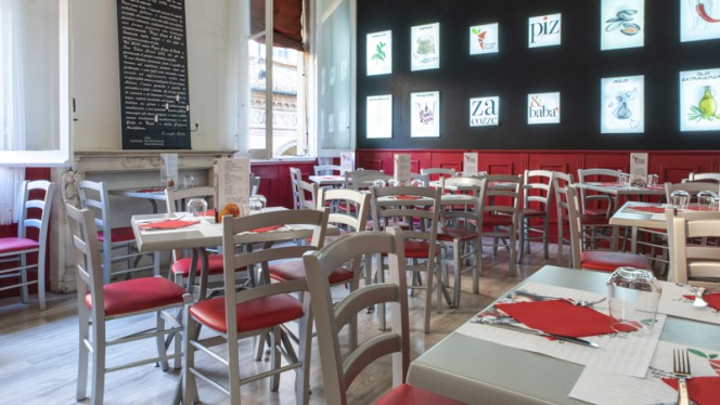 Sala - Pizza Cozze e Babà, Bologna