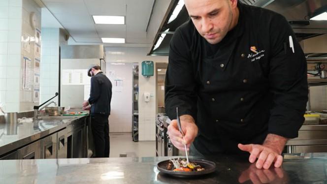 Chef - A Escola by The Artist, Porto