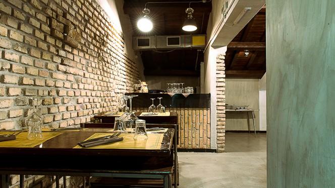 Particolare tavolo - Azienda Cucineria, Rome