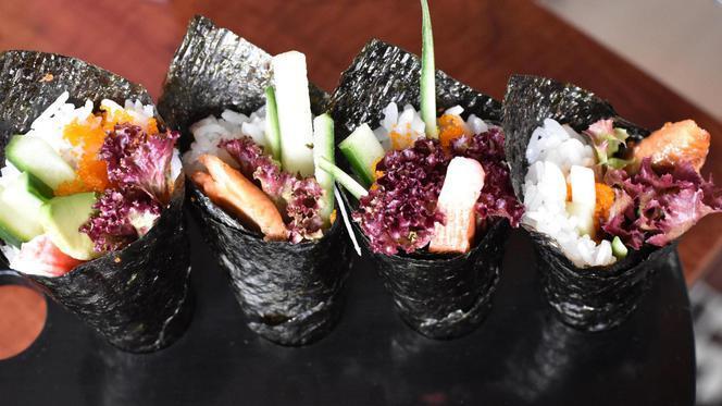 Handroll - Shinzo Sushi Lounge & Grill Tilburg, Tilburg