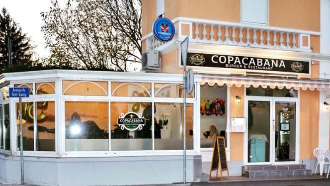 Ingång - Copacabana Restaurant & Burger,