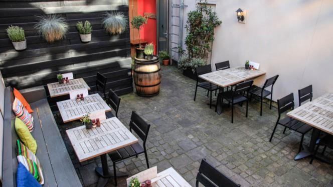 Onze heerlijke binnentuin - Brasserie Midi, Groningen