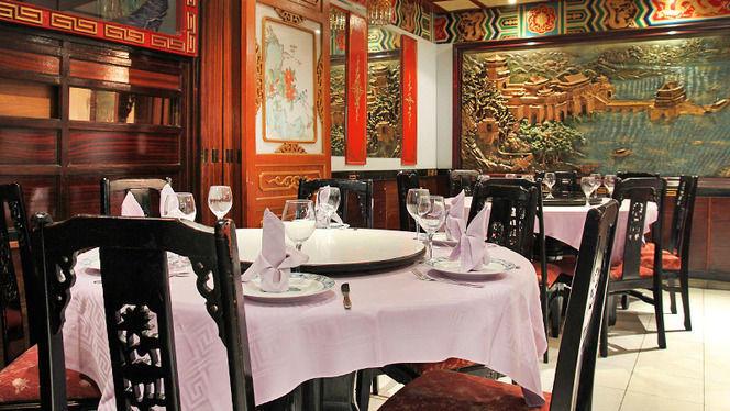 detalle mesa para grupo - Ta-Tung, Barcelona