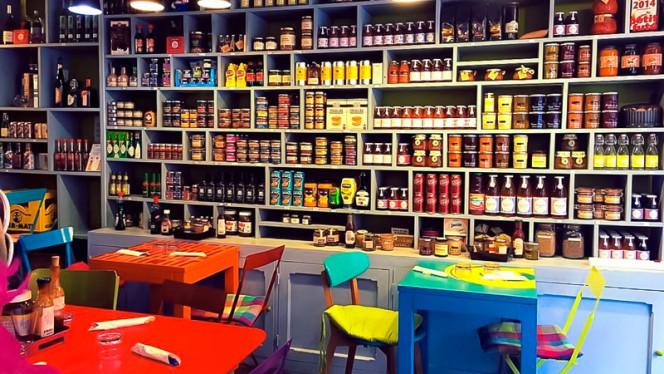 Salle du restaurant - Le Village, Paris
