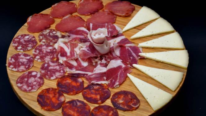 Sugerencia plato - Jamón y Vino, Barcelona