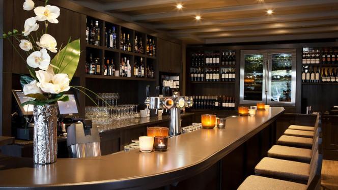 Bar - Fletcher Hotel-Restaurant Het Witte Huis, Soest