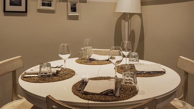 Il tavolo tondo - VII Coorte, Rome