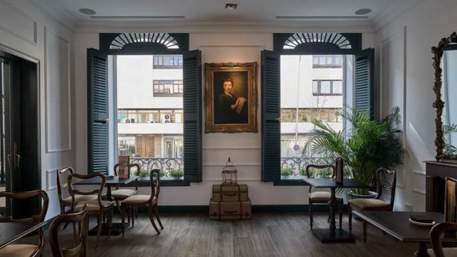 Interior - WareHouse@TheHClub, Madrid