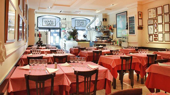 Sala montada para el mediodía - Piazze d'Italia, Barcelona