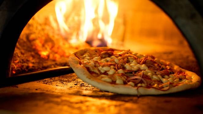 Pizza Formaggio Caprino con Spinaci - O'Pazzo Pizzeria, Rotterdam