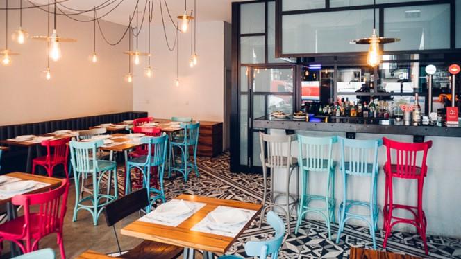 Bar - Muito BEY - Modern Lebanese Kitchen, Lisboa