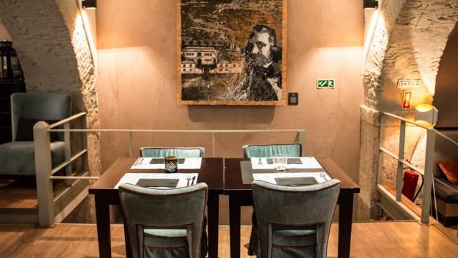VIsta da sala - Bar das Flores, Lisboa