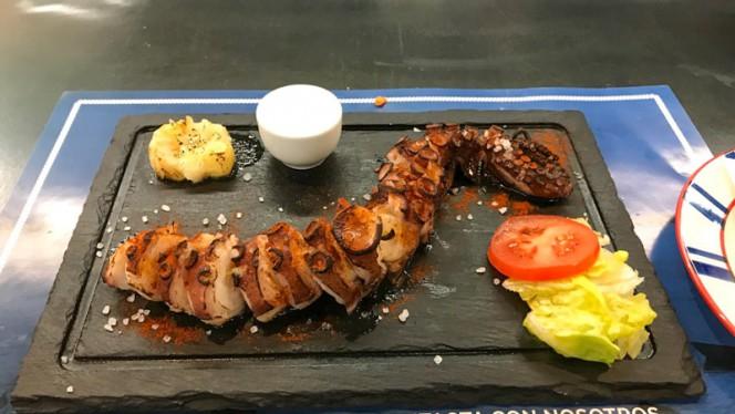 pulpo a la brasa - Fish&go! Freiduría, Sabadell