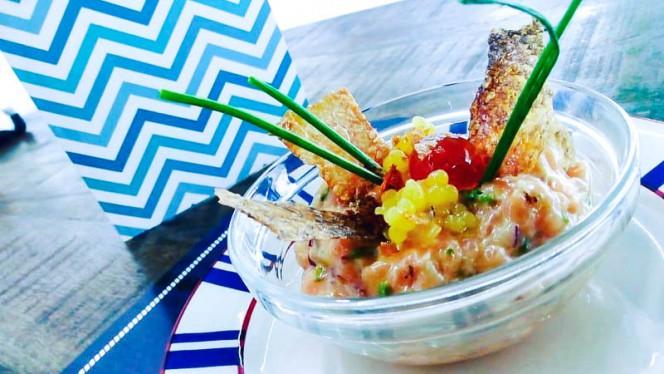 tartar de salmón y mango - Fish&go! Freiduría, Sabadell