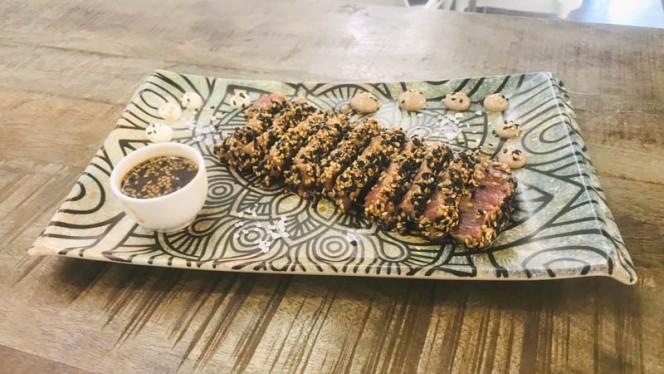 Tataki de atún - Fish&go! Freiduría, Sabadell
