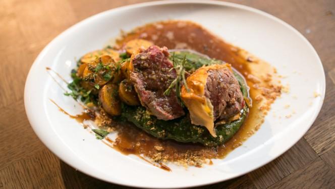 Beef Wellington - The George Pub, Lisboa