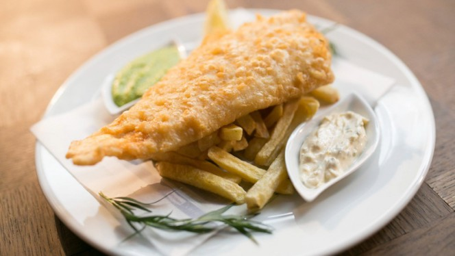 Fish and Chips - The George Pub, Lisboa