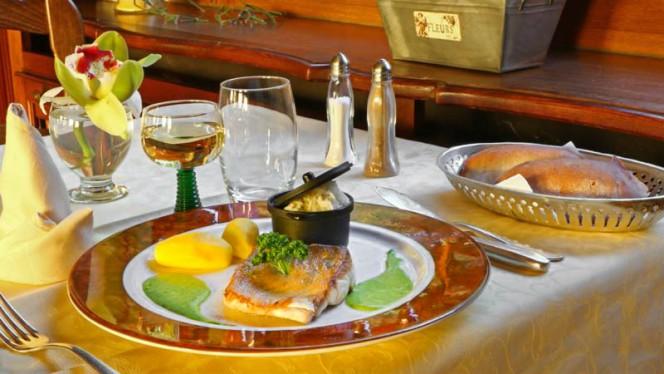 Table dressée avec suggestion du chef - Auberge de la Foret, Vendenheim